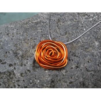 Collier alu orange/saumon, modèle fleur