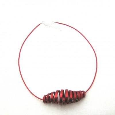 Collier alu rouge, modèle cône