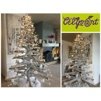Sapin de Noël en bois flotté