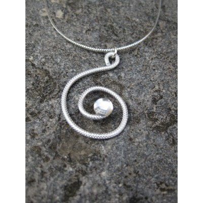 Collier alu argent effet bulle d'eau, modèle spirale